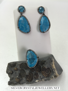 Blue cracked quartz earrings